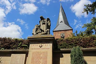 Das Kriegerdenkmal in Roschbach