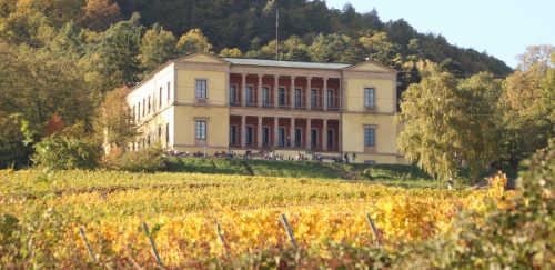 Die Villa Ludwigshöhe war einst der ehemalige Sommersitz des Königs Ludwig I. von Bayern.